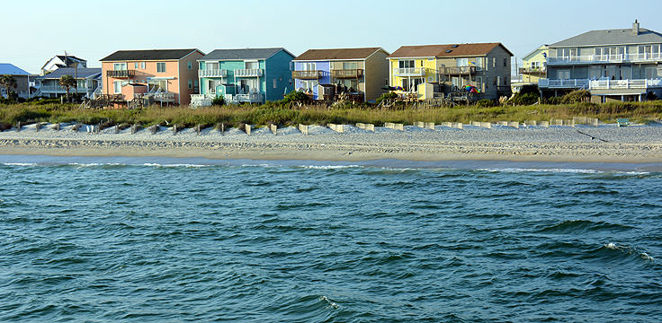 Homes adjacent to Oceanana Pier